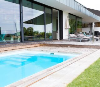 Swimmingpool am Haus