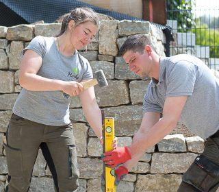 Facharbeiter in der Gartengestaltung